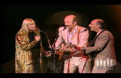 Peter, Paul and Mary: Light One Candle